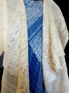 simple yet beautiful fabrics created on the saori loom
